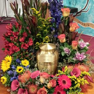 urn surround colorful mix